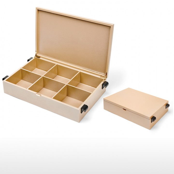 Wooden tray with lid